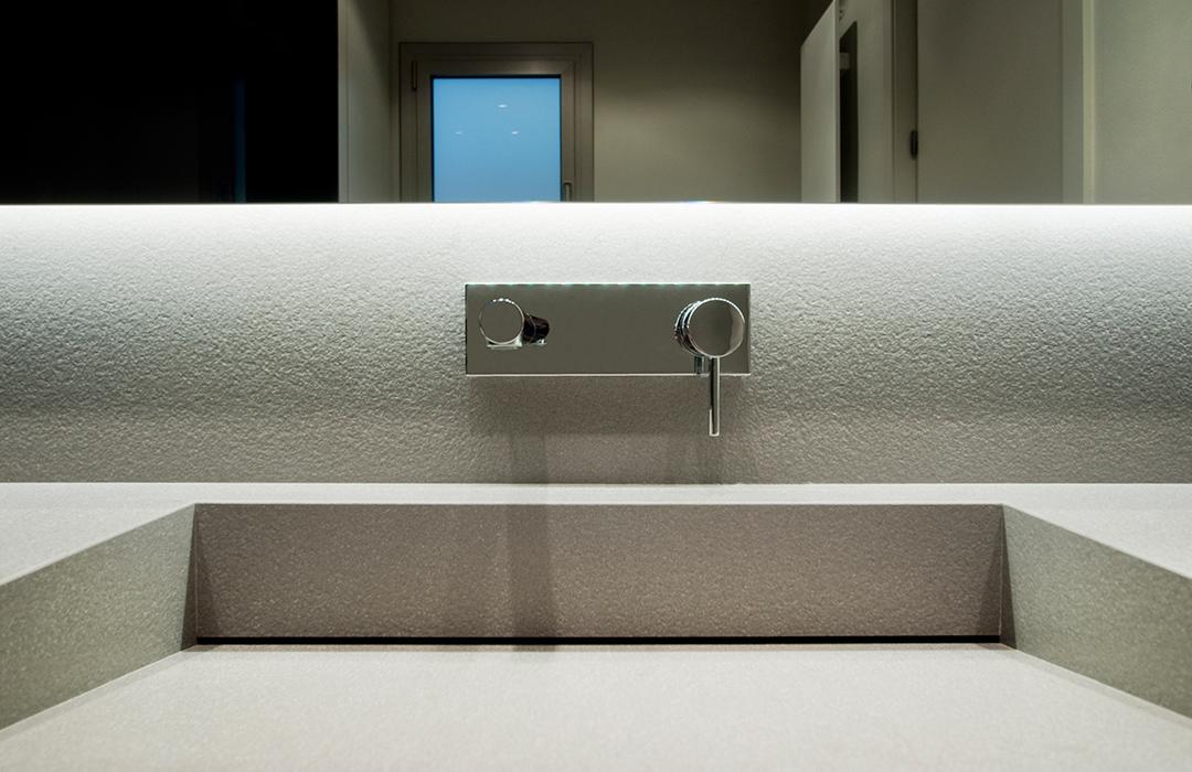 Cristina Prats Arquitectura Interiorismo Casa en Barcelona Baño Griferia Tres Azul Acocsa