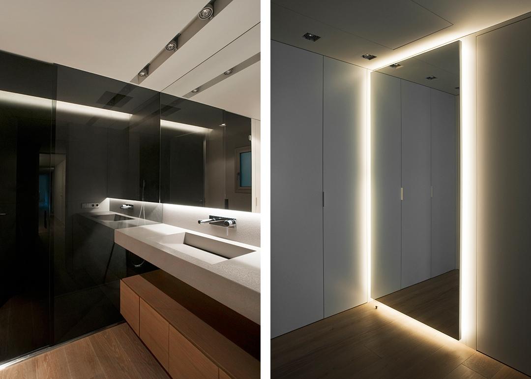 Cristina Prats Arquitectura Interiorismo Casa en Barcelona Baño Griferia Tres Azul Acocsa Luces Espejo Vestidor
